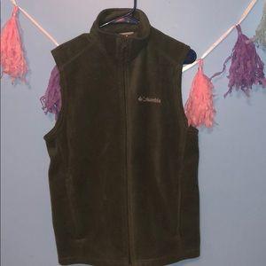 Columbia Jackets & Coats - Men's Columbia green vest